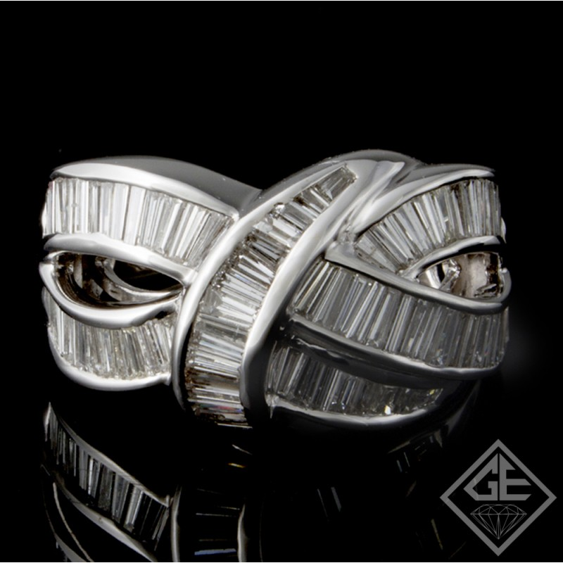 18k White Gold Ladies Fashion Ring with 3.26 carat Baguette Cut Diamonds