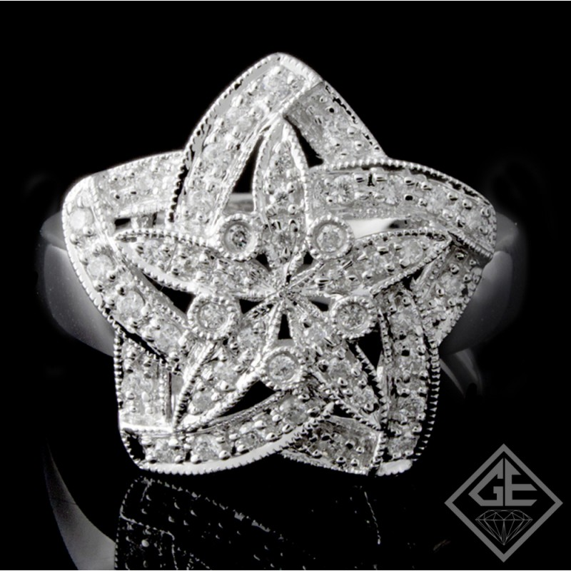 14k White Gold Ladies Fashion Diamond Ring with 0.29 carat Round Brilliant Cut Diamonds