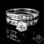 Ladies Diamond Bridal Set Ring with 0.32 carat Round Brilliant cut side diamonds