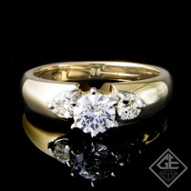 3 Stone Round Brilliant Cut Diamond Engagement Ring in 14k Gold