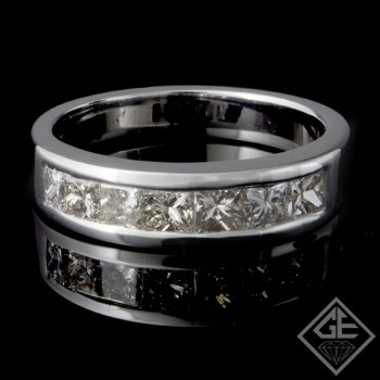 0.95 carat Princess Cut Diamond Wedding Band in 14k White Gold