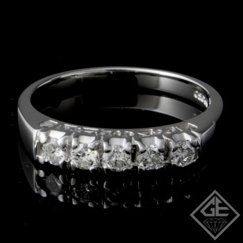 Ladies Diamond Matching Wedding Band with0.33 carat Round Brilliant cut side diamonds