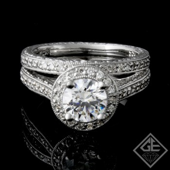 Ladies Diamond Bridal Set Ring with 0.36 carat Round Brilliant cut side diamonds