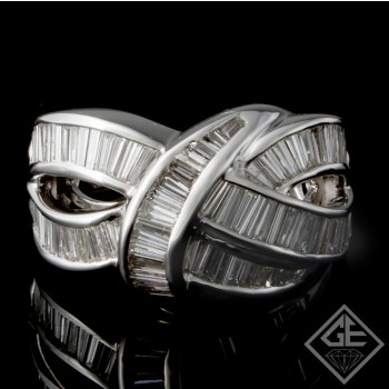 18k White Gold Ladies Fashion Ring with 3.26 carat Baguette Cut Diamonds
